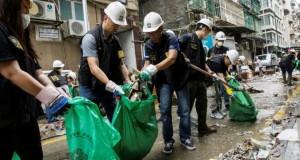 après le passage destructeur du typhon Mangkhut Grand nettoyage à Hong Kong