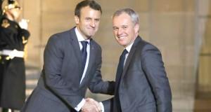 Macron procède à un remaniement du gouvernement