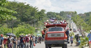 Trump coupe les aides à trois pays d'Amérique centrale Les migrants poursuivent leur route