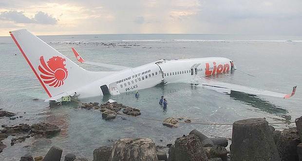 Un avion de Lion Air s'écrase en mer avec 189 personnes à bord