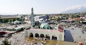 séisme de magnitude 7,5 suivi d'un tsunami en Indonésie