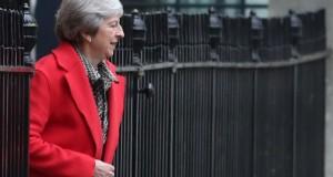 Theresa May un peu requinquée après la tourmente de la veille