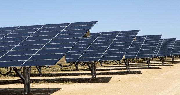centrale électrique en énergie solaire