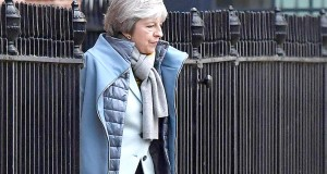 Theresa May présente son « plan B » pour éviter un « no deal »