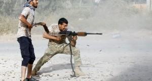 Des anti-Haftar se battent