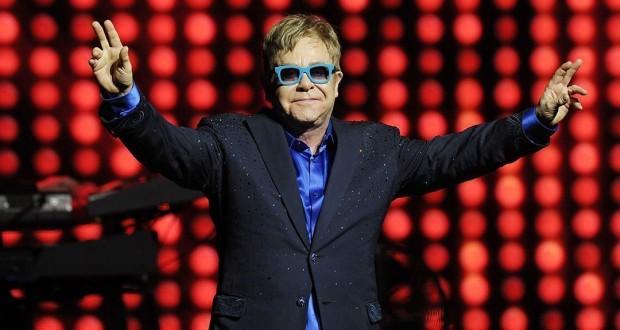 Elton John et Joan Baez en tournée d'adieu