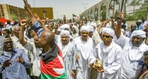 La foule reste mobilisée au Soudan