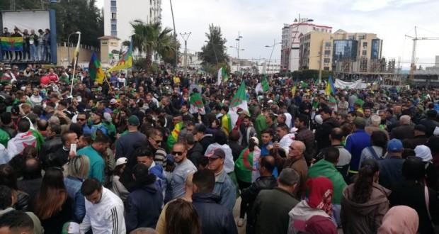 Marche à Béjaïa