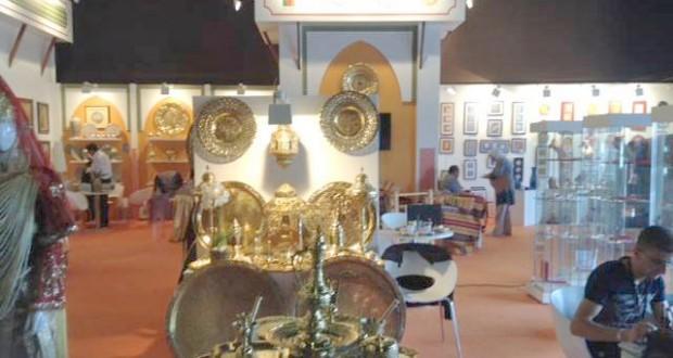 Alger : Exposition d\'artisanat au Palais de la culture |