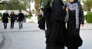 Le niqab interdit dans les institutions publiques