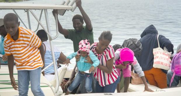 Début des évacuations aux Bahamas