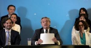 Alberto Fernandez arrive au pouvoir en pleine crise