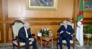 Le Président Tebboune reçoit le juriste Ahmed Laraba