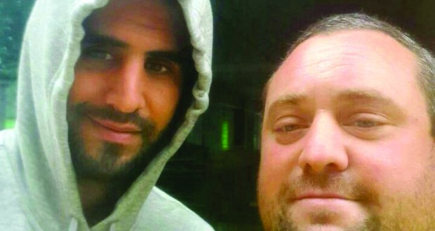 Mahrez selfie