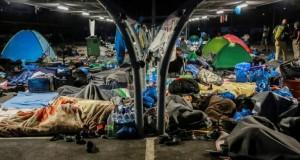 Grèce - À Lesbos, les rues peu à peu vidées de milliers de réfugiés sans abri