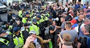 Manifestations pro et anti migrants à Douvres