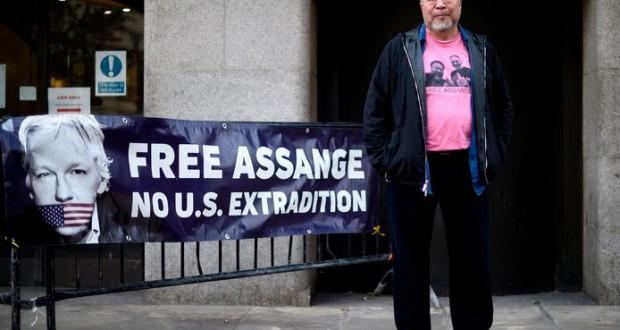 Solidarité - L'artiste Ai Weiwei manifeste pour la libération de Julian Assange
