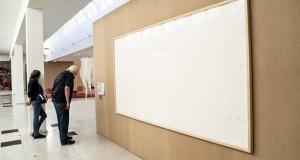 Un artiste devait exposer 70.000 euros de billets mais part avec l'argent